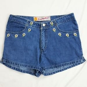 Daisy embroidered yk2 era shorts
